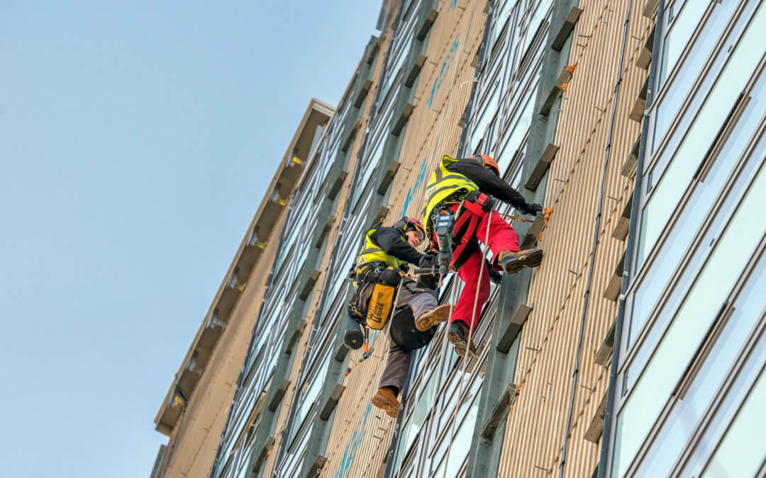 Identifying hazards and risk evaluation for work at heights