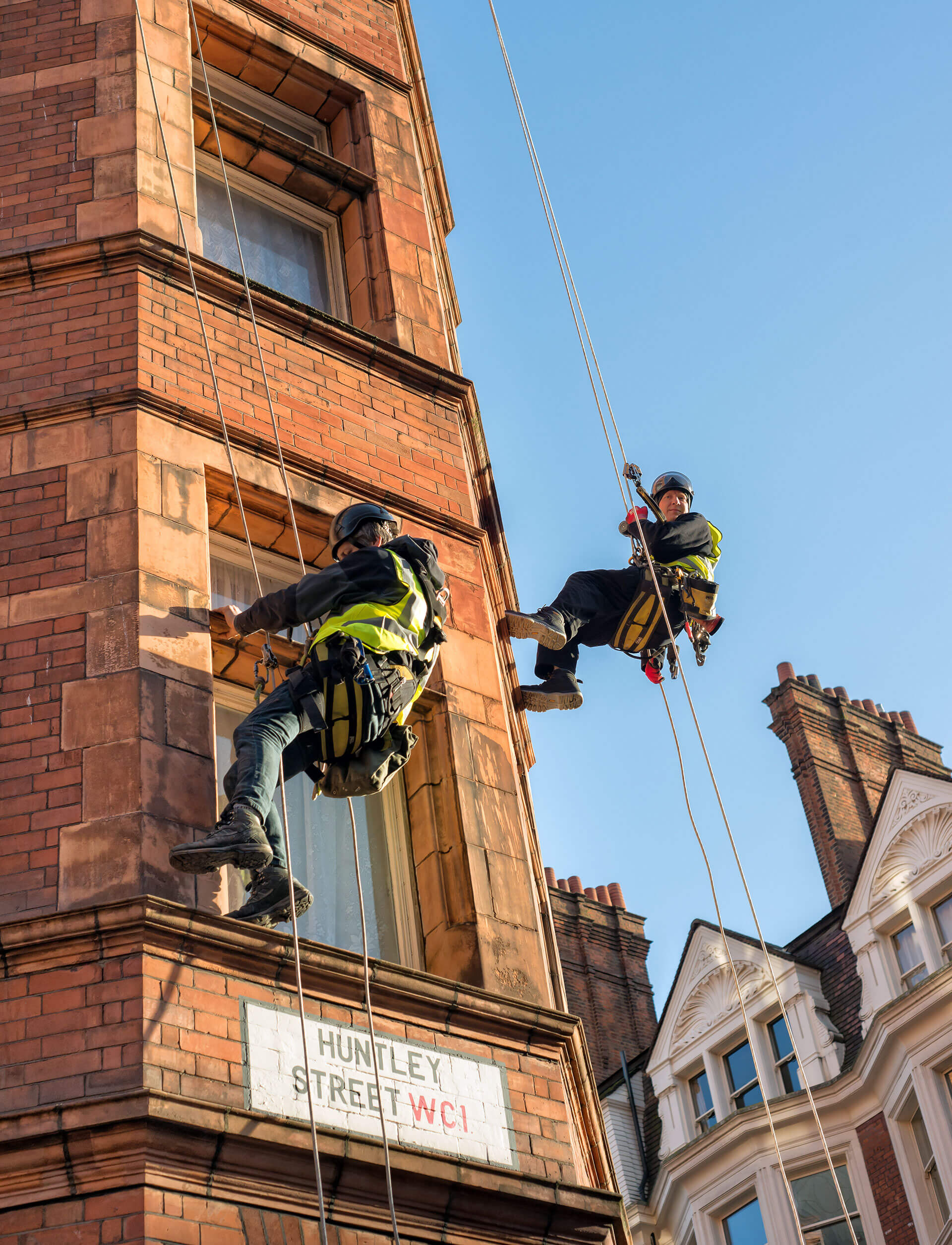 Rope Access Vs Abseiling   R A I L